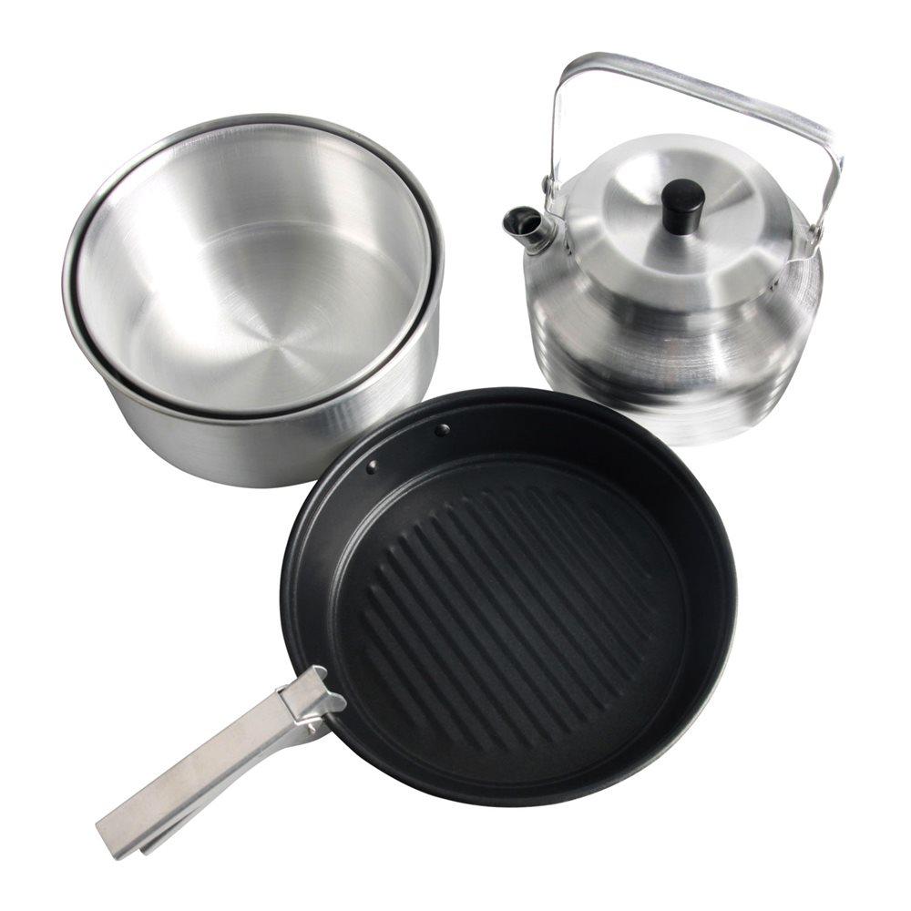 Наборы посуды Nova Tour, цвет: металлик, 4 предметаAS009Наборы посуды Nova Tour очень легкий и удобный для походных условий.В набор входят предметы посуды для приготовления пищи на горелке для четырех человек. Кастрюли для удобства и компактности при транспортировке, убираются друг в друга. Сковороды и кастрюли имеют съемные ручки.Чайник объем: 1,5 л.Кастрюля объем: 3 л, диаметр:20 см.Кастрюля объем: 2,2 л, диаметр: 18,5 см.Сковорода с антипригарным покрытием, диаметр: 20 см.