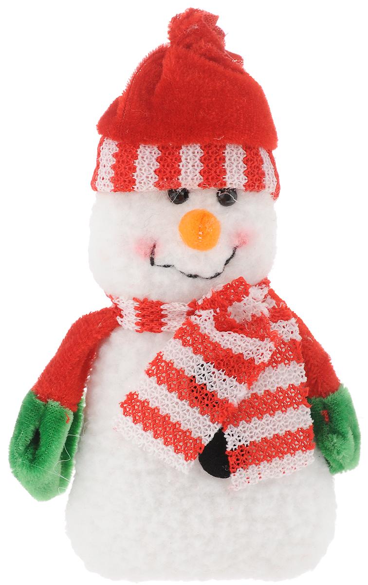 Украшение новогоднее подвесное Феникс-Презент Снеговик с шарфом, 15 x 8 смDP-C30-016Новогоднее украшение Феникс-Презент Снеговик с шарфом отлично подойдет для декорации вашего дома и новогодней ели. Изделие выполнено из полиэстера в виде снеговика. Елочная игрушка - символ Нового года. Она несет в себе волшебство и красоту праздника. Создайте в своем доме атмосферу веселья и радости, украшая всей семьей новогоднюю елку нарядными игрушками, которые будут из года в год накапливать теплоту воспоминаний.Коллекция декоративных украшений принесет в ваш дом ни с чем не сравнимое ощущение волшебства.Размер изделия: 15 х 8 см.
