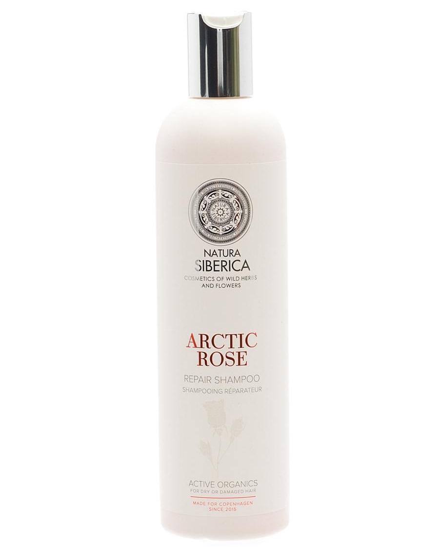 Natura Siberica Estonia Copenhagen Шампунь восстанавливающий арктическая роза 400 млFS-00897Восстанавливающий шампунь способствует деликатному очищению поврежденных и сухих волос, возвращая им природную силу, здоровье и красоту. Роза увлажняет волосы, делая их более гладкими и послушными. Арктическая малина - богатый источник витаминов и незаменимых аминокислот, которые способствуют интенсивному питанию и восстановлению структуры волос.. Д-пантенол укрепляет корни волос, создает защитную пленку, предохраняя волосы от потери влаги, солнечных лучей. Гидролизованный рисовый протеин богат аминокислотами, витаминами группы B, PP, K, витамином Е и минеральными солями, защищает волосы от ломкости и образования секущихся кончиков.