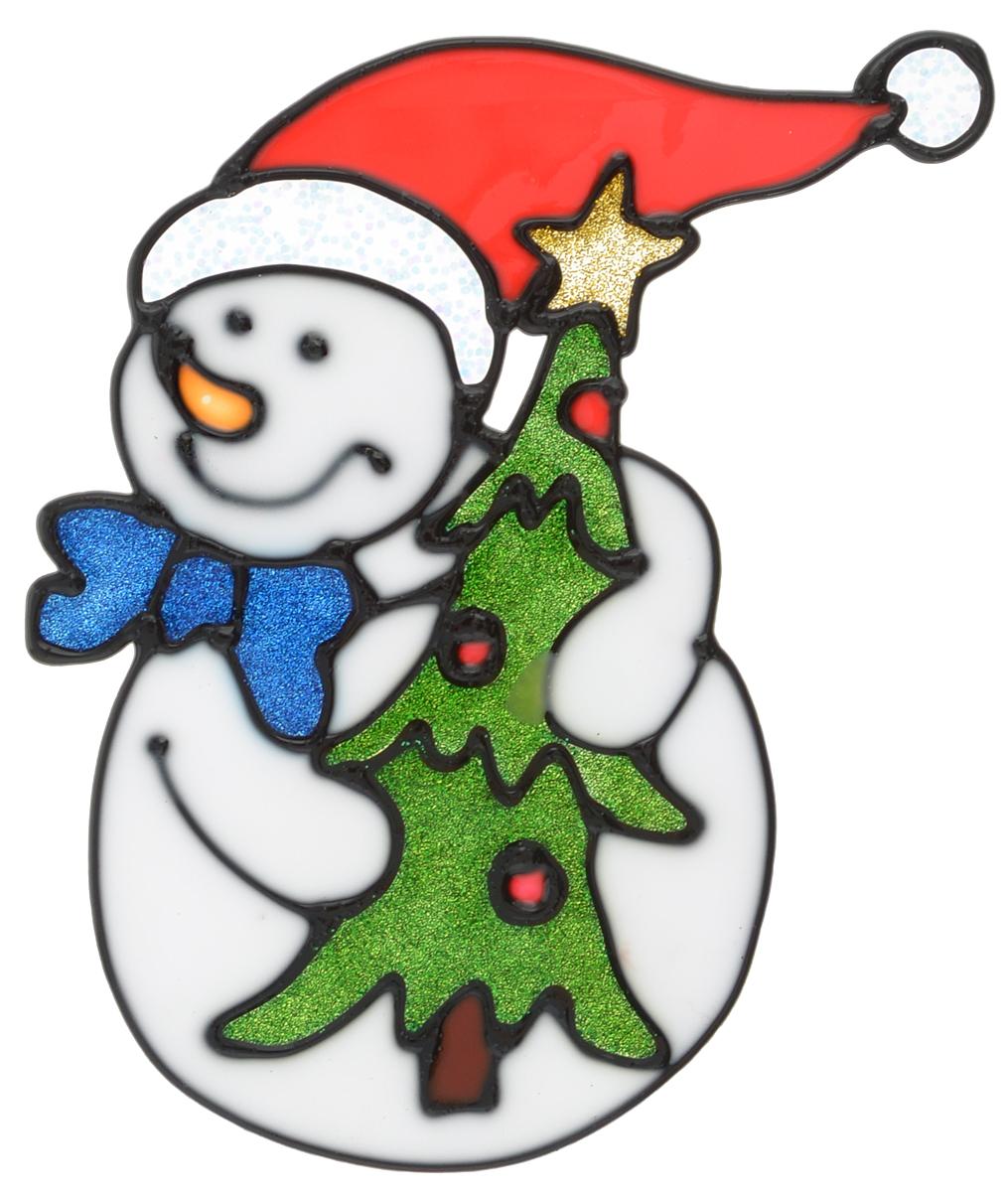Наклейка на окно Erich Krause Ловкий снеговик, 13,5 х 11 смRSP-202SНаклейка на окно Erich Krause Ловкий снеговик выполнена в виде снеговика с елочкой.С помощью больших витражных наклеек на окно Erich Krause можно составлять на стекле целые зимние сюжеты, которые будут радовать глаз, и поднимать настроение в праздничные дни! Так же Вы можете преподнести этот сувенир в качестве мини-презента коллегам, близким и друзьям с пожеланиями счастливого Нового Года!Размер наклейки: 13,5 х 11 см