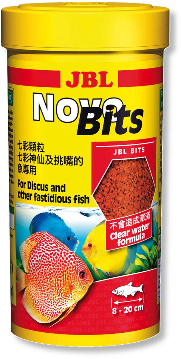 Корм JBL NovoBits для дискусов и других привередливых тропических рыб, в форме гранул, 440 г (1 л)JBL3031540Основной корм JBL NovoBits предназначен для дискусов и других привередливых тропических рыб длиной 8-20 см. Тонущие гранулы предотвращают вероятность заглатывания рыбой воздуха. Содержание фосфатов в корме сбалансировано для регуляции роста растений и оптимального роста рыбы. Стабилизированный витамин С и другие жизненно важные витамины, а также биоэлемент инозит обеспечивают здоровый рост и укрепление иммунитета.Профессионально подобранные гранулы приготовлены из основных и важных для рыбы составляющих.Улучшение окраса рыбы достигается благодаря высокому уровню содержания астаксантина и каротиноидов в корме.Рекомендации по кормлению: 2-3 раза в день в количестве, которое съедается рыбками за 2-3 минуту. Анализ: белок - 43%, жир - 6%, клетчатка - 3%, зола - 10%.Содержание витаминов на 1 кг: Витамин А 25000 IE, Витамин D3 2000 IE, Витамин Е 330 мг, Витамин С 400 мг.Товар сертифицирован.