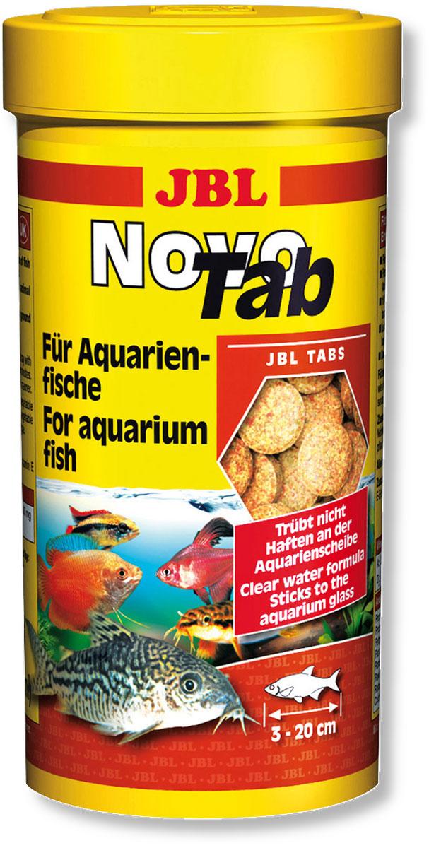 Корм JBL NovoTab для всех видов аквариумных рыб, в форме таблеток, 250 мл (150 г)0120710Таблетки JBL NovoTab содержат, наряду с питательными рачками, высушенными по технологии вакуумной заморозки (10%), и другие высококачественные компоненты в виде специально скомпонованной смеси, адаптированной к питательным потребностям всеядных донных рыб и рыб, обитающих в средних слоях аквариума, в том числе: рыба и рыбные продукты, зерновые, овощи, дрожжи, растительные продукты, насекомые, рачки, водоросли, а также яйца и яичные продукты. Прилепляя таблетки в любом месте аквариумного стекла, вы целенаправленно обеспечиваете кормом рыб, обитающих в средней зоне аквариума, и можете понаблюдать за тем, как они его поедают. Положив таблетки на дно аквариума, вы обеспечите кормом панцирных сомов и других всеядных донных рыб. Стабилизированный витамин С и другие жизненно важные витамины, а также биоэлемент Инозит обеспечивают здоровый рост и укрепляют иммунитет. Кормление можно осуществлять несколько раз в день, но всегда небольшими дозами, которые могут быть съедены в течение нескольких минут. Идеальный размер корма для рыб от 3 до 20 см.Состав: Протеин 44%, жир 5%, клетчатка 1,8%, чистая зола 10%. Вес: 150 г., количество таблеток 400 шт.Товар сертифицирован.