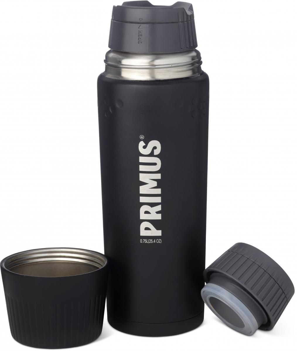 Термос Primus TrailBreak Vacuum Bottle, цвет: серый, 750 мл737862Термос обладает двойными стенками и имеет вакуумную изоляцию. Изготовлен из высококачественной нержавеющей стали, что наделяет его очень прочным и износостойким корпусом. Термос отлично подходит для всевозможных приключений в экстремальных условиях, идеально подходит для альпинизма или пешего туризма.Крышка-чашка также имеет двойные стенки и выполнена из нержавеющей стали, чтобы сохранить напиток горячим или холодным долгое время. Большая горловина позволяет термос заполнить напитками и очистить. Если вы захотите пить прямо из термоса, в этом вам поможет запатентованная крышка с функцией ClickClose - просто поверните клапан! Стоит также отметить внешний вид термоса - он выполнен в строгом скандинавском стиле.Объем термоса: 750 мл.