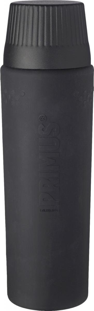 Термос Primus TrailBreak EX Vacuum Bottle, цвет: серый, 1 л737952Термос из новой коллекции экспедиционных термосов шведской компании Primus. Его главные достоинства - надежность, эффективность, функциональность и стильный дизайн. Термос сделан из высокопрочной нержавеющей стали (двустенный - вакуумная технология) и оснащен силиконовым рукавом, защищающим руки от прикосновения к металлу на холоде (морозе). Кроме того, силикон препятствует случайному выскальзыванию термоса из рук. Крышка также имеет двойные стенки и изготовлена из нержавеющей стали, поэтому напиток в ней дольше сохраняет заданную температуру. Термос комплектуется двумя пластиковыми пробками: стандартной и с системой ClickClose (для наливания напитка необходимо просто повернуть крышку).Благодаря конусовидной форме термос легче размещать в рюкзаке или сумке. Объем термоса: 1000 мл.
