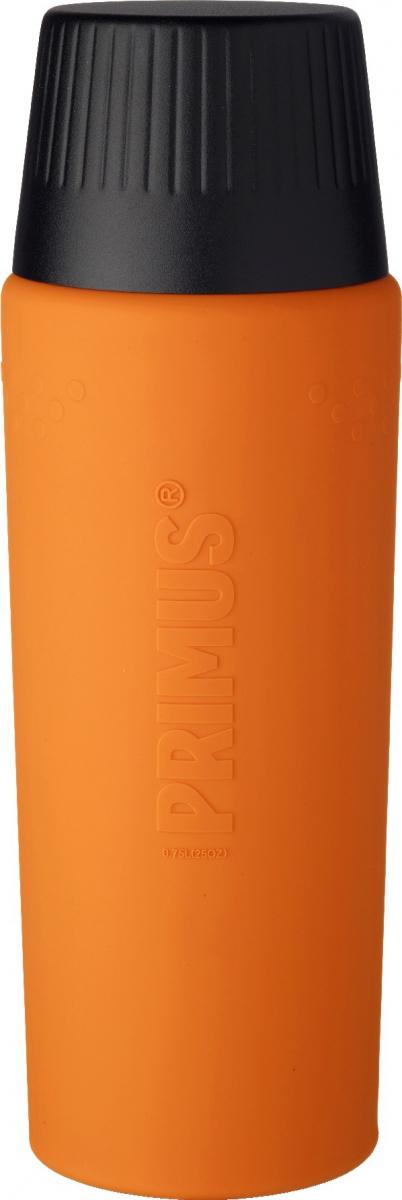 Термос Primus TrailBreak EX Vacuum Bottle, цвет: оранжевый, 750 мл737953Термос из новой коллекции экспедиционных термосов шведской компании Primus. Его главные достоинства - надежность, эффективность, функциональность и стильный дизайн. Термос сделан из высокопрочной нержавеющей стали (двустенный - вакуумная технология) и оснащен силиконовым рукавом, защищающим руки от прикосновения к металлу на холоде (морозе). Кроме того, силикон препятствует случайному выскальзыванию термоса из рук. Крышка также имеет двойные стенки и изготовлена из нержавеющей стали, поэтому напиток в ней дольше сохраняет заданную температуру. Термос комплектуется двумя пластиковыми пробками: стандартной и с системой ClickClose (для наливания напитка необходимо просто повернуть крышку).Благодаря конусовидной форме термос легче размещать в рюкзаке или сумке. Объем термоса: 750 мл.