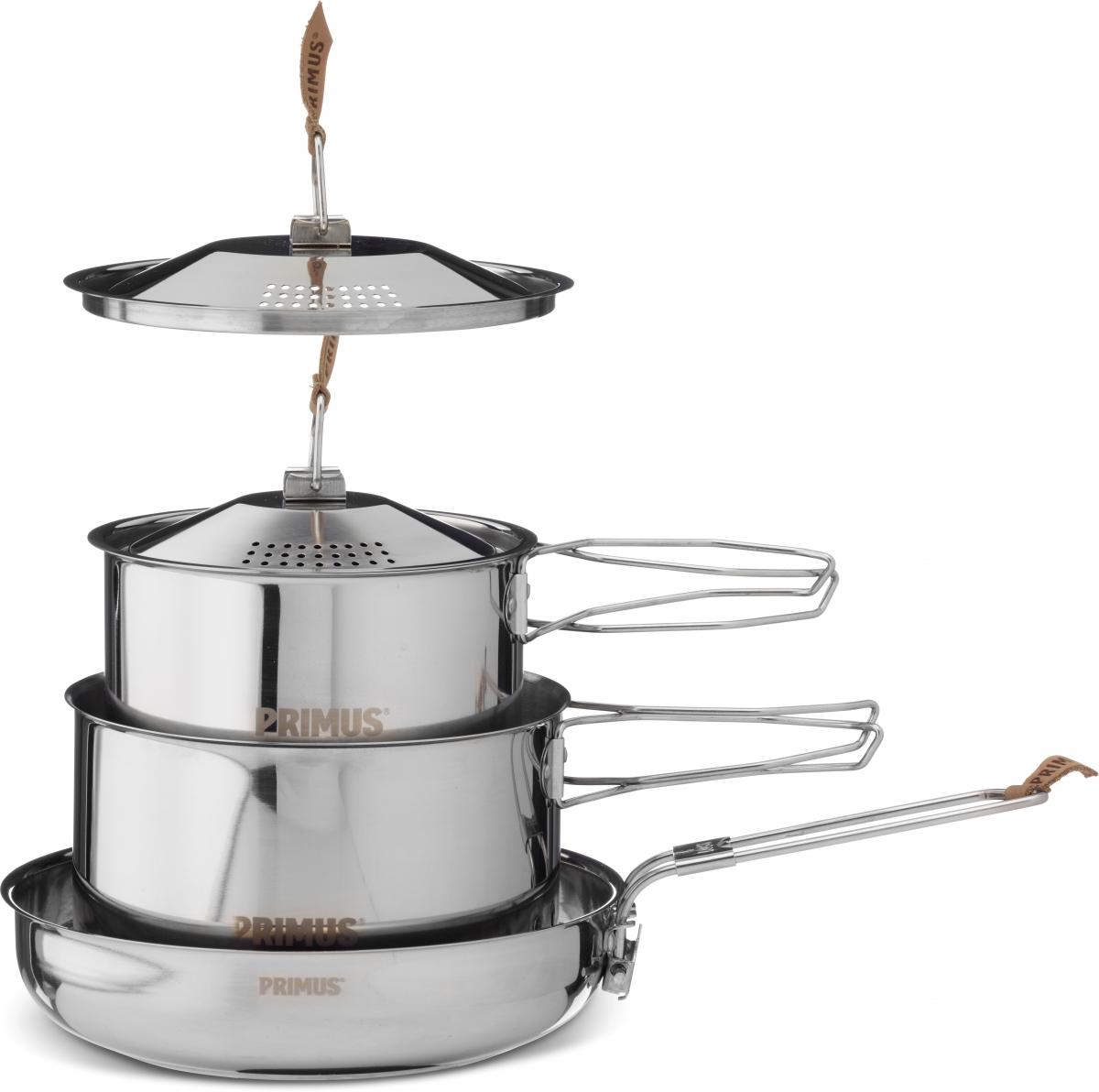 Набор посуды Primus CampFire Cookset S, цвет: серый1529Прочная нержавеющая сталь на долгие годы службы. Набор состоит из двух котелков (1,0 и 1,8 л) с крышками и сковорода. Сковорода имеет складную ручку и алюминиевое дно для равномерного распределения тепла. В комплект входит сумка для хранения.