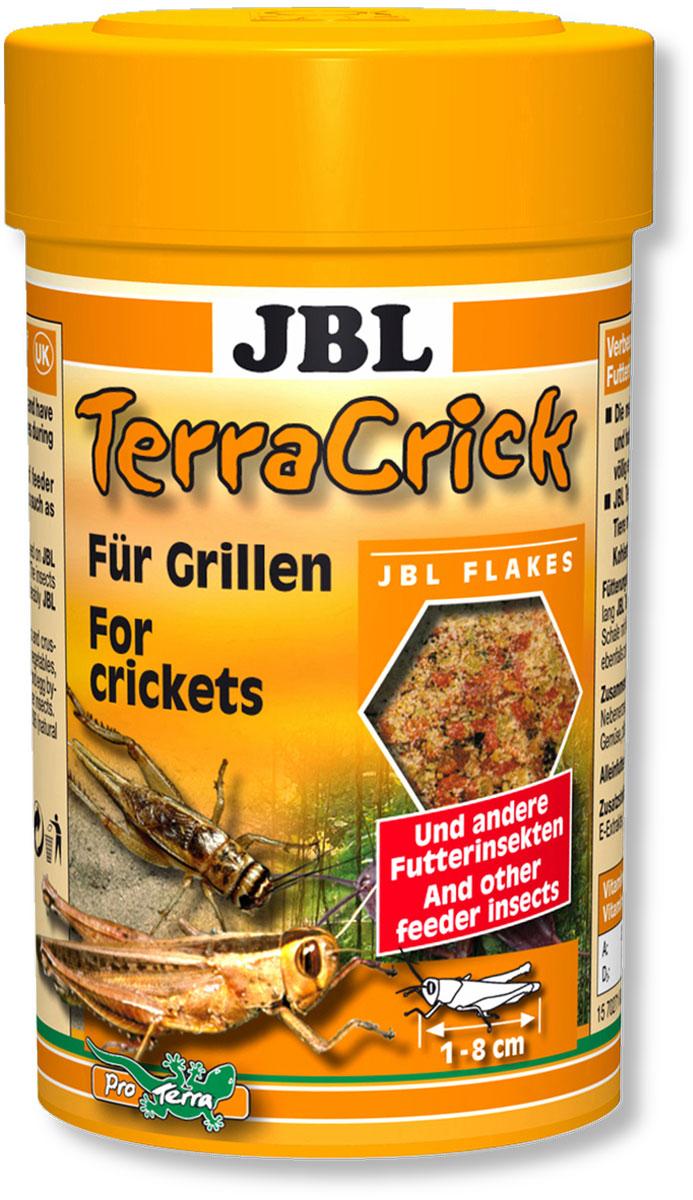 Корм JBL TerraCrick сверчков и других кормовых насекомых, 100 мл (60 г)JBL7027100Корм JBL TerraCrick для улучшения питательной ценности сверчков и других кормовых насекомых, личинок мучного хрущака. С точки зрения физиологии пищеварения для ящериц и других рептилий важную роль играет содержимое кишечника кормовых насекомых. Большинство кормовых насекомых специально выращиваются и после транспортировки имеют пустой пищеварительный тракт. В результате кормления кормом JBL TerraCrick пищеварительный тракт этих насекомых загружается ценными веществами, такими как минералы, углеводы, витамины, которые в свою очередь существенно укрепляют здоровье насекомоядных рептилий. Рекомендация по кормлению: прежде, чем скармливать насекомых рептилиям, давайте им в течение 24 часов корм JBL TerraCrick. Плоское блюдце с водой всегда должно быть в распоряжении насекомых. Идеальный размер корма для насекомых от 1 до 8 см.Состав: белок 28%, жир-сырец 4%, клетчатка 6%, чистая зола 7%, витамин А 28000 I.E., витамин D3 3000 I.E., витамин Е 400 мг., Витамин C 400 мг., злаки 40%, моллюски и ракообразные 16%, растительные побочные продукты 15,1%, дрожжи 11,4%, рыба и рыбные побочные продукты 9,2%, овощи 3,2%, экстракты растительного белка 2,5%, яйца и продукты из яиц 0,8%, водоросли 0,61%. Вес: 60 г. Товар сертифицирован.