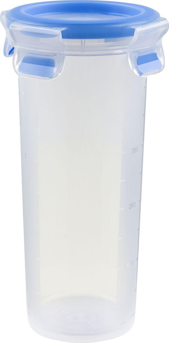 Контейнер пищевой Emsa Clip&Close, 0,5 лМ 1201-ДКонтейнер Emsa Clip&Close изготовлен из высококачественного антибактериального пищевого пластика, имеющего сертификат BPA-free, который выдерживает температуру от -40°С до +110°С, не впитывает запахи и не изменяет цвет. Это абсолютно гигиеничный продукт, который подходит для хранения даже детского питания. 100% герметичность - идеально не только для хранения, но и для транспортировки пищи. Герметичность достигается за счет специальных силиконовых прослоек, которые позволяют использовать контейнер для хранения не только пищи, но и жидкости. В таком контейнере продукты долгое время сохраняют свою свежесть - до 4-х раз дольше по сравнению с обычными, в том числе и вакуумными контейнерами. 100% гигиеничность - уникальная технология применения медицинского силикона в уплотнителе крышки: никаких полостей - никаких микробов. Изделие снабжено крышкой, плотно закрывающейся на 4 защелки. 100% удобство - прозрачные стенки позволяют просматривать содержимое. Изделие подходит для домашнего использования, для пикников, поездок, отдыха на природе, его можно взять с собой на работу или учебу. Можно использовать в СВЧ-печах, холодильниках, посудомоечных машинах, морозильных камерах.