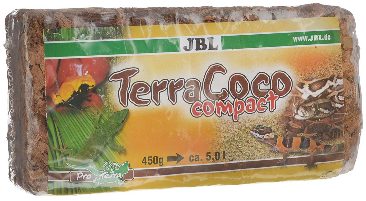 Кокосовая стружка JBL TerraCoco Compact, спрессованная в брикет, 500 г0120710JBL TerraCoco Compact - субстрат из кокосовой стружки для очень влажных тропических террариумов.Кокосовая стружка - очень влагоёмкий субстрат. Этот грунт хорошо впитывает и отдает влагу. Отлично подходит для содержания амфибий и тропических рептилий. Роющие и норные животные также будут хорошо себя чувствовать в террариуме с таким субстратом. Кокосовая стружка легко копается, не пылит и не травмирует животное при рытье.Грунт легко подготавливается, достаточно залить содержимое брикета 3 литрами воды, настоять и просушить. В итоге получается 5 л кокосовой стружки.