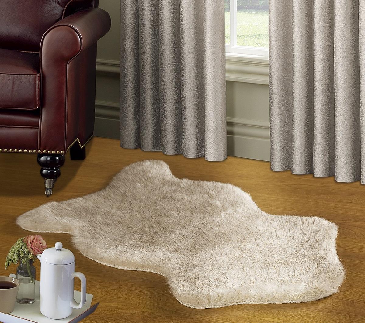 Коврик Modalin Manal, цвет: кремовый, 50 х 90 см5006/CHAR002Коврик Modalin Manal выполнен из искусственного меха. Изделие долго прослужит в вашем доме, добавляя тепло и уют, а также внесет неповторимый колорит в интерьер.