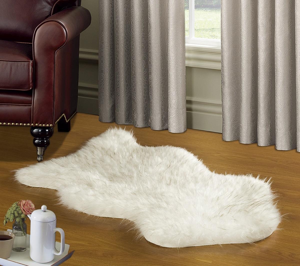 Коврик Modalin Manal, цвет: белый, 50 х 90 смNLED-447-9W-SКоврик Modalin Manal выполнен из искусственного меха. Изделие долго прослужит в вашем доме, добавляя тепло и уют, а также внесет неповторимый колорит в интерьер.