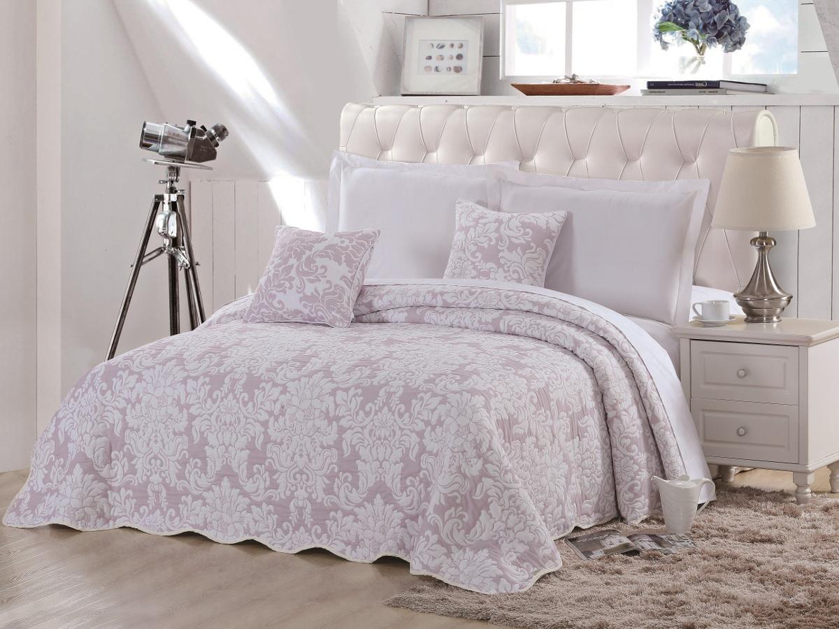 Покрывало Cleo Элегия, цвет: розовый, 160 х 220 смS03301004Красивые, яркие, легкие и в меру объемные покрывала - они становятся настоящим украшением, завершающим штрихом интерьера, который преображает помещение, делая его уютным и комфортным.Состав этой коллекции - 100% хлопок. Это необыкновенно прочная, практичная, устойчивая к разнообразным воздействиям ткань. Рисунок, выполненный методом тиснения, сохраняет краски в течение долгого времени. Такое покрывало прослужит много лет, радуя вас и ваших близких изначальной яркостью своих красок.