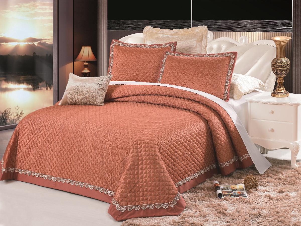 Комплект для спальни Cleo: покрывало 230 х 250 см, 2 наволочки 50 х 70 см, цвет: оранжевыйES-412Изысканный комплект для спальни состоит из покрывала и двух наволочек. Изделия выполнены из высококачественного полиэстера, легкие, прочные и износостойкие. Полиэстер - это вид ткани, который состоит из полиэфирных волокон. Ткани из полиэстера - легкие, прочные и износостойкие.Свойства полиэстера:- не мнется.- легко стирается.- после стирки быстро сохнет.- не растягивается и не садится.Размер покрывала: 230 х 250 см.Размер наволочки: 50 х 70 см.