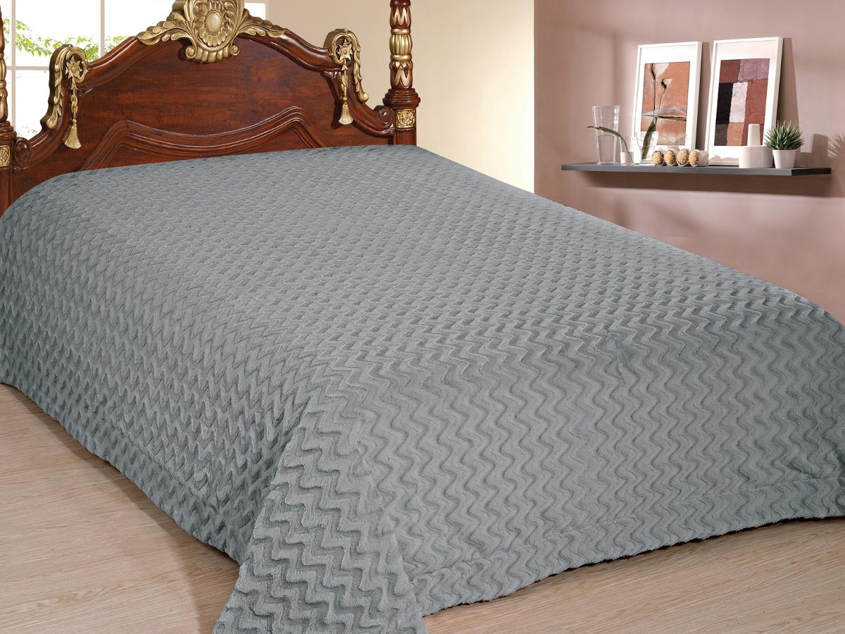 Покрывало Cleo Волна, цвет: серый, 220 x 240 смSC-FD421005Покрывало Cleo из искусственного меха порадует вас своим дизайном и качеством исполнения. Покрывала из искусственного меха (акрил) универсальны в использовании: их можно положить на кровать для украшения интерьера, использовать вместо одеяла или пледа, как накидку на кресло или диван, оно также может заменить на полу шкуру животного. Современные технологии позволяют делать ворс разной длины, фактуры и цвета, что делает коллекцию реалистичной визуально и тактильно. Такие меховые покрывала обладают рядом преимуществ: они износостойкие, не теряют форму, не выгорают и не садятся при стирке, стираются легко, сохнут быстро. Акрил является синтетическим материалом, в нем не живут микроорганизмы, поэтому он гипоаллергенный. Оригинальное меховое покрывало стильно дополнит интерьер спальни и сохранит безупречный внешний вид на долгие годы. Покрывала Cleo - это экологичность и стиль.