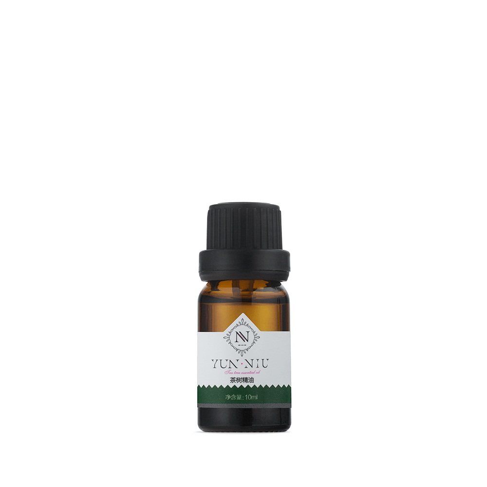 Масло чайного дерева Yun-Niu (Tea Tree Essential), 10 мл.FS-00897Восстанавливающее и защищающее средство( масло). 10 млНазначение Уникальный природный антисептик, обладающий мощным бактерицидным, противогрибковым и противовирусным действием. Масло чайного дерева эффективно очищает кожу лица, регулирует баланс жирности кожи, обладает оздоровительным и тонизирующим эффектом. Наносится непосредственно на кожу лица. Глубина воздействия и бактерицидные свойства подтверждены испытаниями Юньнаньского исследовательского института гомеопатических средств Академии Наук КНР. Это масло содержит более 40 полезнейших органических компонентов, чайное дерево имеет бактерицидное и противовирусное действие и поможет справиться с дрожжевыми и грибковыми инфекциями. По сути, ему присущи свойства антибиотика с сильным иммуностимулирующим действием. Будучи сильным противовоспалительным средством, масло чайного дерева обеззараживает и заживляет раны и воспаления, воздействует на бородавки, понижает температуру тела при ОРВИ или гриппе, обладает болеутоляющими свойствами, повышает энергетические способности, избавляет от отеков. При умелом использовании, масло поможет нормализовать состояние ? Подсушивает и снимает воспаление и красноту? Успокаивает и восстанавливает здоровый рельеф кожи? Снимает боль, дезинфицирует место поражения? Справляется с грибковыми поражениями? Эффективно борется с кожными заболеваниями? Нормализует состояние нервной системыРезультат- Устраняет гнойничковую, угревую сыпь- Ликвидирует бактериальные, вирусные, паразитарные дерматиты, экземы- Устраняет раздражение, отечность, зуд, покраснение- Уменьшает жирный блеск кожи- Очищает полость рта, удаляет налет, предотвращает развитие кариеса, пародонтоза -Устраняет неприятные запахи изо рта- Лечит заболевания дыхательных путей- Способствует укреплению волос и уничтожению перхоти- Стимулирует нервную и психическую энергию нервной системы и улучшает умственную деятельность. Может применяться как для нанесения непосредствен