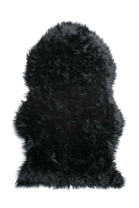 Шкура овечья Vortex, искусственная, цвет: черный, 90 х 55 см6901СШкура овечья Vortex изготовлена из искусственных безопасных материалов. Изделие может быть использовано не только в качестве коврика, но и в качестве декоративной накидки на диван или кресло. Овечья шкура Vortex станет прекрасным сувениром, которым можно оригинально оформить интерьер в вашем доме или автомобиле. Мех обработан специальным раствором, который предотвращает появление в мехе моли и служит прекрасным антиаллергенным средством.