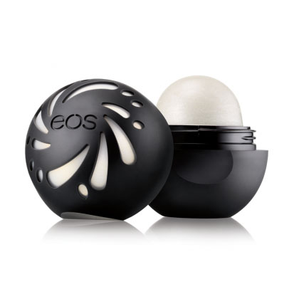 EOS Бальзам для губ Shimmer Lip Balm Pearl, 7 гMFM-3101Натуральный бальзам для губ (оттенок - розовый перламутр) в футляре из пластика (упакован в картонную коробку). Не содержит парабенов, глютена и продуктов нефтехимии. Применяется в косметических целях для увлажнения и питания губ.