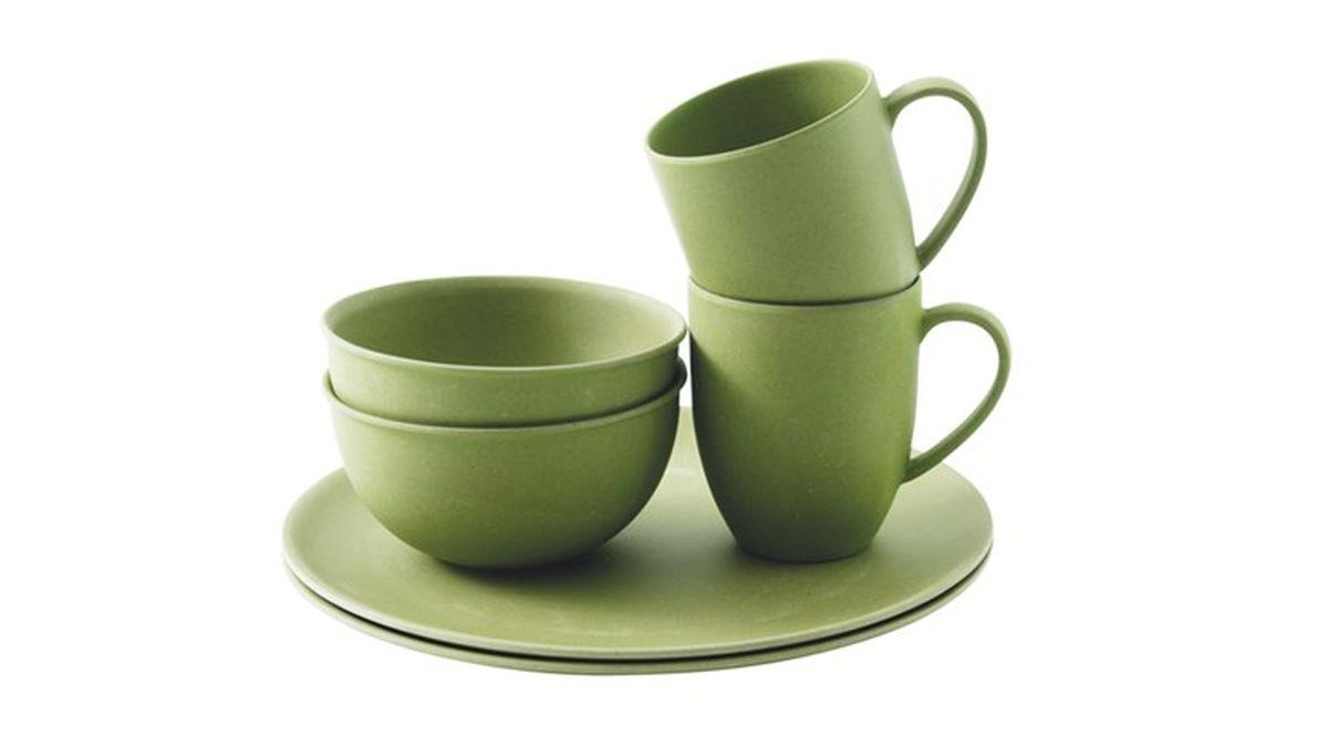 Набор посуды Outwell Bamboo Dinner Set, цвет: зеленый, 6 предметов650400Набор посуды Outwell Bamboo Dinner Set рассчитан на 2 персоны.Противоударный, легко моется.Диаметр тарелок 26 и 13 см.Диаметр кружки: 8 см.Высота кружки: 10 см.