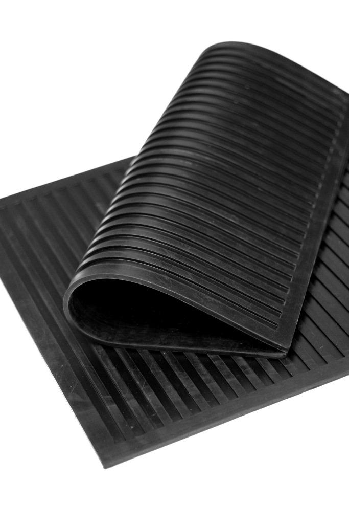 Коврик резиновый диэлектрический SunStep, цвет: черный, 50 х 50 смES-412Коврик резиновый диэлектрический. Размер 50x50 см, Цвет: чёрный, Производитель: SUNSTEP™