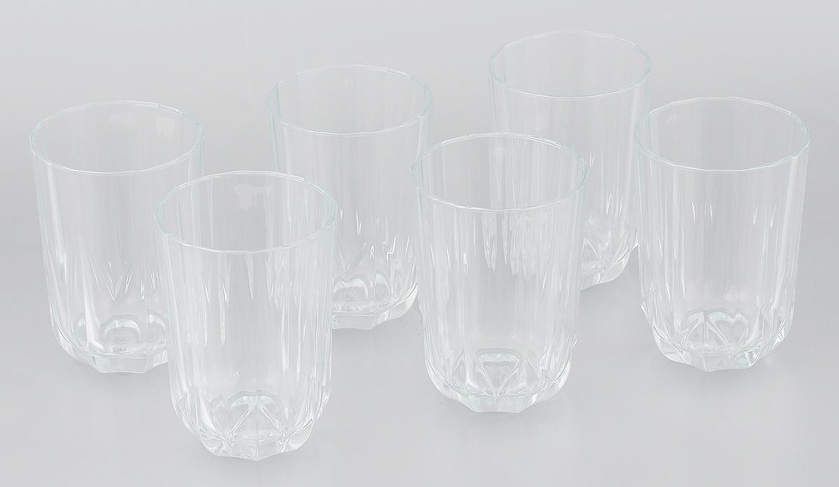 Набор стаканов Pasabahce Topaz, 220 мл, 6 штVT-1520(SR)Набор Pasabahce Topaz состоит из шести граненых стаканов, выполненных из прочного натрий-кальций-силикатного стекла. Стаканы прекрасно подходят для воды, сока, лимонада, компотов. Набор стаканов Pasabahce Topaz идеален для ежедневного использования. Функциональность, практичность и стильный дизайн сделают набор прекрасным дополнением к вашей коллекции посуды. Благодаря яркому необычному дизайну стаканы также красиво оформят праздничный стол. Можно мыть в посудомоечной машине и использовать в микроволновой печи при температуре до +70°С.Диаметр стакана (по верхнему краю): 6,5 см.Высота стакана: 10 см.