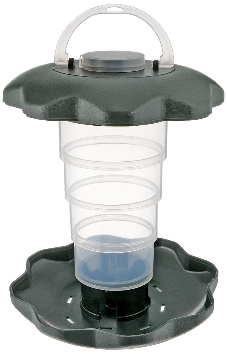 Кормушка для птиц Triol, складная, 15 х 15 х 19,5 см14H131173Кормушка для птиц Triol выполнена из высококачественного пластика в виде уличного фонаря. Она отлично подходит для среднезернистого корма, кроме того кормушка складывается до компактных размеров что поможет защитить корм от дождя. Изделие легко мыть - просто ополосните её теплой водой, а специальный поддон с дозатором будет поддерживать оптимальное количество корма. Кормушка оснащена ручкой и крючком, чтобы повесить ее на улице в любом понравившемся вам месте. Кормушка вмещает в себя около 400 г корма. Размер кормушки (р разложенном виде): 15 х 15 х 19,5 см. Размер кормушки (в сложенном виде): 15 х 15 х 6 см.