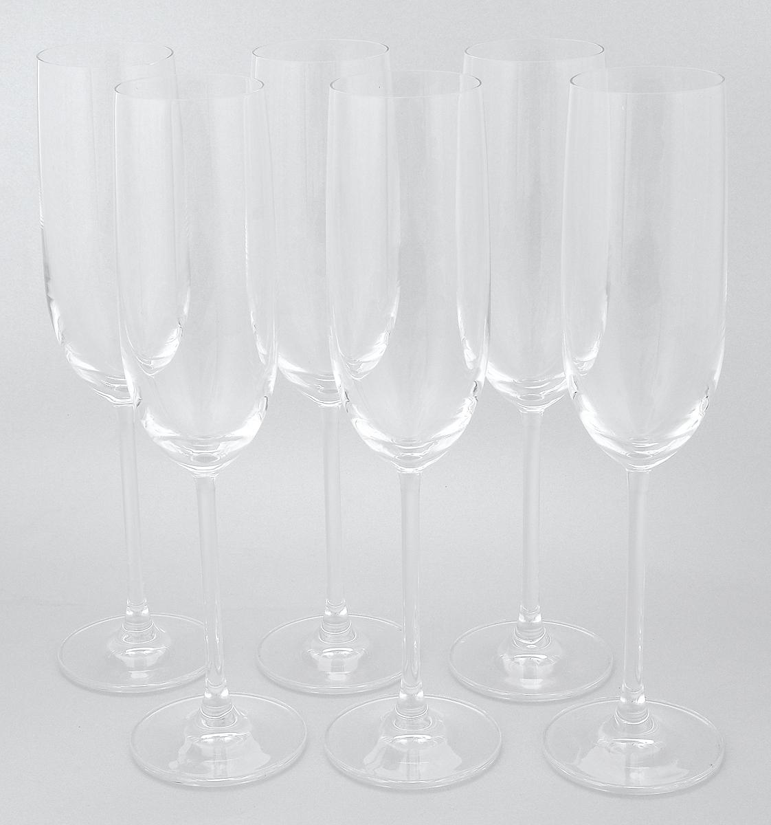 Набор бокалов Pasabahce Vintage, 220 мл, 6 штVT-1520(SR)Набор Pasabahce Vintage состоит из шести бокалов, выполненных из прочного натрий-кальций-силикатного стекла. Изделия оснащены высокими ножками. Бокалы предназначены для подачи шампанского. Они сочетают в себе элегантный дизайн и функциональность. Благодаря такому набору пить напитки будет еще вкуснее.Набор фужеров Pasabahce Vintage прекрасно оформит праздничный стол и создаст приятную атмосферу за романтическим ужином. Такой набор также станет хорошим подарком к любому случаю. Можно мыть в посудомоечной машине и использовать в холодильнике.Диаметр фужера (по верхнему краю): 4,8 см. Высота фужера: 24,2 см.