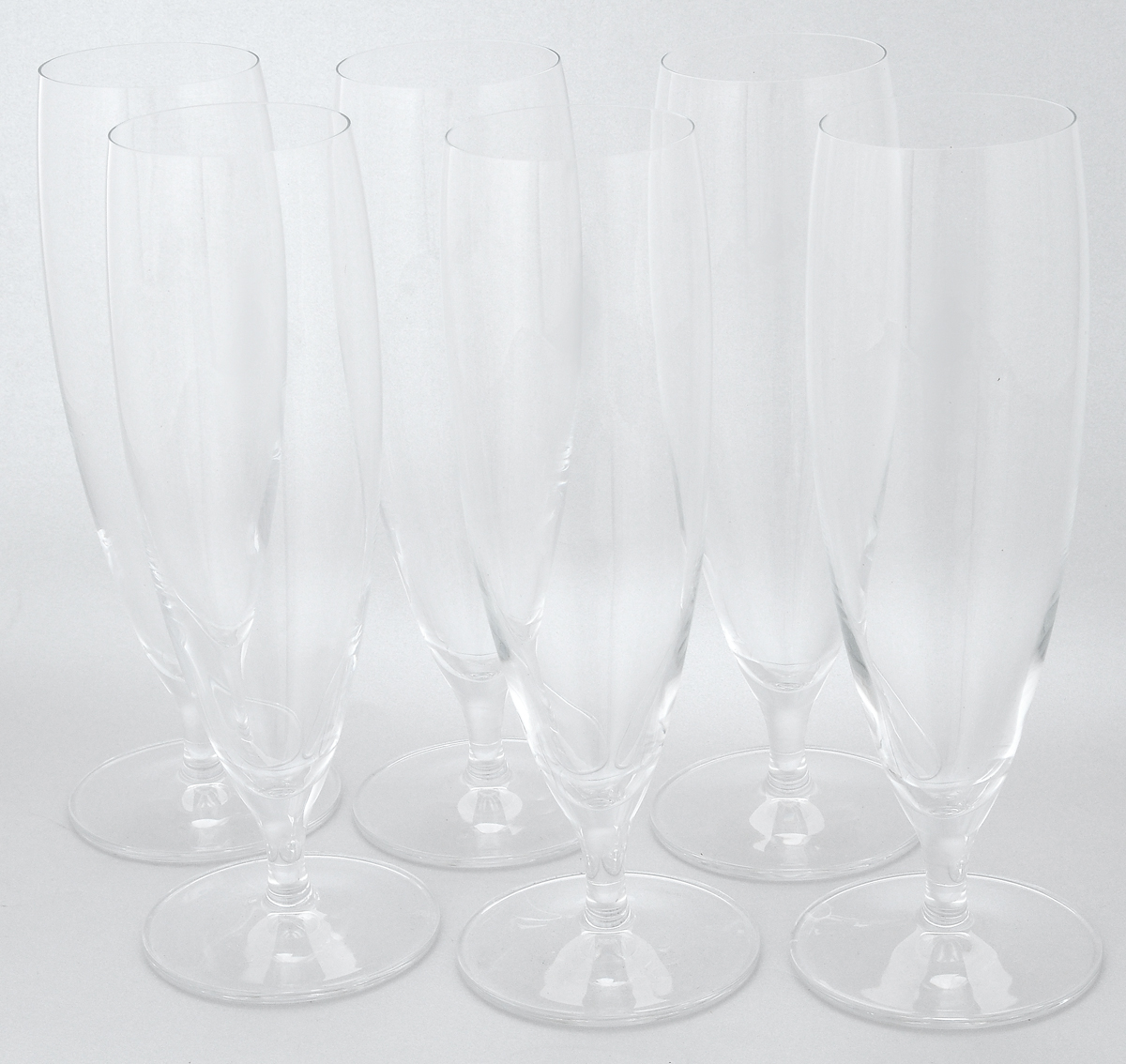 Набор бокалов Pasabahce Vintage, 385 мл, 6 штVT-1520(SR)Набор Pasabahce Vintaget состоит из шести бокалов, выполненных из прочного натрий-кальций-силикатного стекла. Изделия оснащены невысокими ножками. Бокалы сочетают в себе элегантный дизайн и функциональность. Благодаря такому набору пить напитки будет еще вкуснее.Набор бокалов Pasabahce Vintaget прекрасно оформит праздничный стол и создаст приятную атмосферу за ужином. Такой набор также станет хорошим подарком к любому случаю. Можно мыть в посудомоечной машине и использовать в микроволновой печи.Диаметр бокала (по верхнему краю): 5,7 см. Высота бокала: 21,7 см.