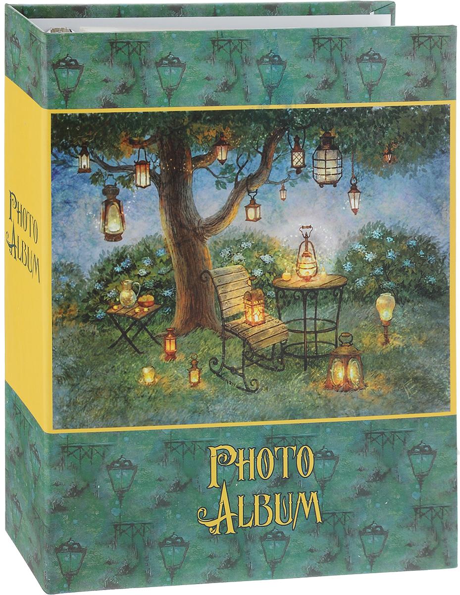 Фотоальбом Magic Home Волшебные фонари, цвет: зеленый, желтый, на 100 фотографий, 16 х 21 см12723Фотоальбом Magic Home Волшебные фонари поможет красиво оформить ваши самые интересные фотографии. Обложка, выполненная из толстого картона, оформлена красивым изображением. Внутри содержится блок из 50 белых листов с креплением на кольцах. Альбом рассчитан на 100 фотографий формата 16 х 21 см. Нам всегда так приятно вспоминать о самых счастливых моментах жизни, запечатленных на фотографиях. Поэтому фотоальбом является универсальным подарком к любому празднику. Количество листов: 50 шт.Размер фотоальбома: 23,5 х 28,5 см.