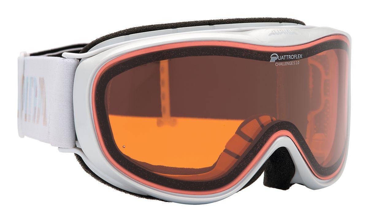 Очки горнолыжные Alpina Challenge S 2.0, цвет: белый. 7220_121629-4026Лёгкая и очень удобная горнолыжная маска с отличным обзором. Уменьшенная версия популярной модели Alpina Challenge 2.0! В маске используется двойная поляризованная линза Quattroflex, которая эффективно приглушает блики отраженного от снега и льда света. Добавленный в линзу оранжевый пигмент делает восприятие склона более контрастным. Всё это позволяет гораздо лучше видеть рельеф и быстрее регировать на встречающиеся по линии спуска препятствия.Особенности:• 100% защита от УФ А-В-С до 400 нм• Гибкая и комфортная оправа плотно и равномерно прилегает к лицу• Шарнирные проушины для ремешка позволяют надёжно и комфортно зафиксировать маску на любом, даже очень массивном шлеме • Антифог покрытие снижает риск запотевания маски• На ремешок нанесены полоски из силикона, которые не дают ему скользить по шлему или шапке• По контуру оправы расположены вентиляционные порты• Объём маски позволяет использовать её вместе с корректирующими очками. В уплотнителе предусмотрены углубления для их дужекСезон: 16-17Категория защиты линз: 2 категория