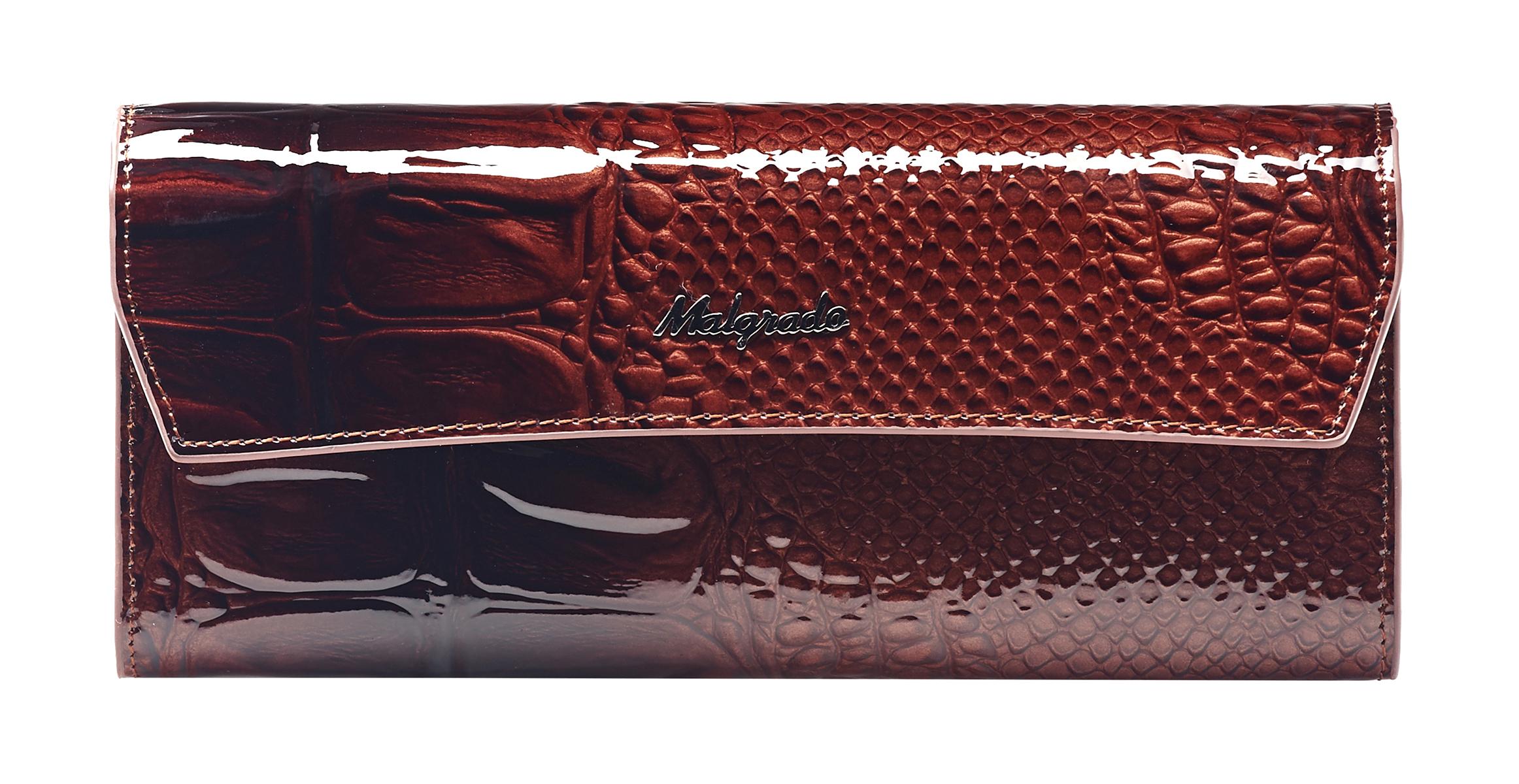 Кошелек женский Malgrado, цвет: коричневый. 75504-04403BM8434-58AEСтильный женский кошелек Malgrado выполнен из натуральной лакированной кожи с тиснением под рептилию и оформлен металлической фурнитурой с символикой бренда.Изделие закрывается клапаном на кнопку. Внутри расположены три отделения для купюр, отделение для монет на молнии, два накладных кармана, три накладных кармана для пластиковых карт. Снаружи, на тыльной стороне кошелька, расположен накладной карман.Изделие поставляется в фирменной упаковке.Кошелек Malgrado станет отличным подарком для человека, ценящего качественные и практичные вещи.