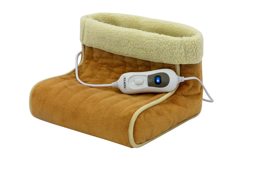 Электрогрелка для ног Planta FT-1BPR-1WЭлектрогрелка для ног, размер 30 х 30 х 24 см, из мягкого плюшевого материала. Работает от сети 220В. Мощность: 100 Вт. Функция автоматического выключения после 90 мин непрерывной работы. 3 температурных режима. Пульт управления с подсветкой. Система защиты от перегрева. Съемный чехол: Ваша любимая грелка для ног всегда будет чистой! Разрешается машинная стирка (деликатный режим при 30°). Максимальная температура нагрева 55°С. Гарантия 2 года