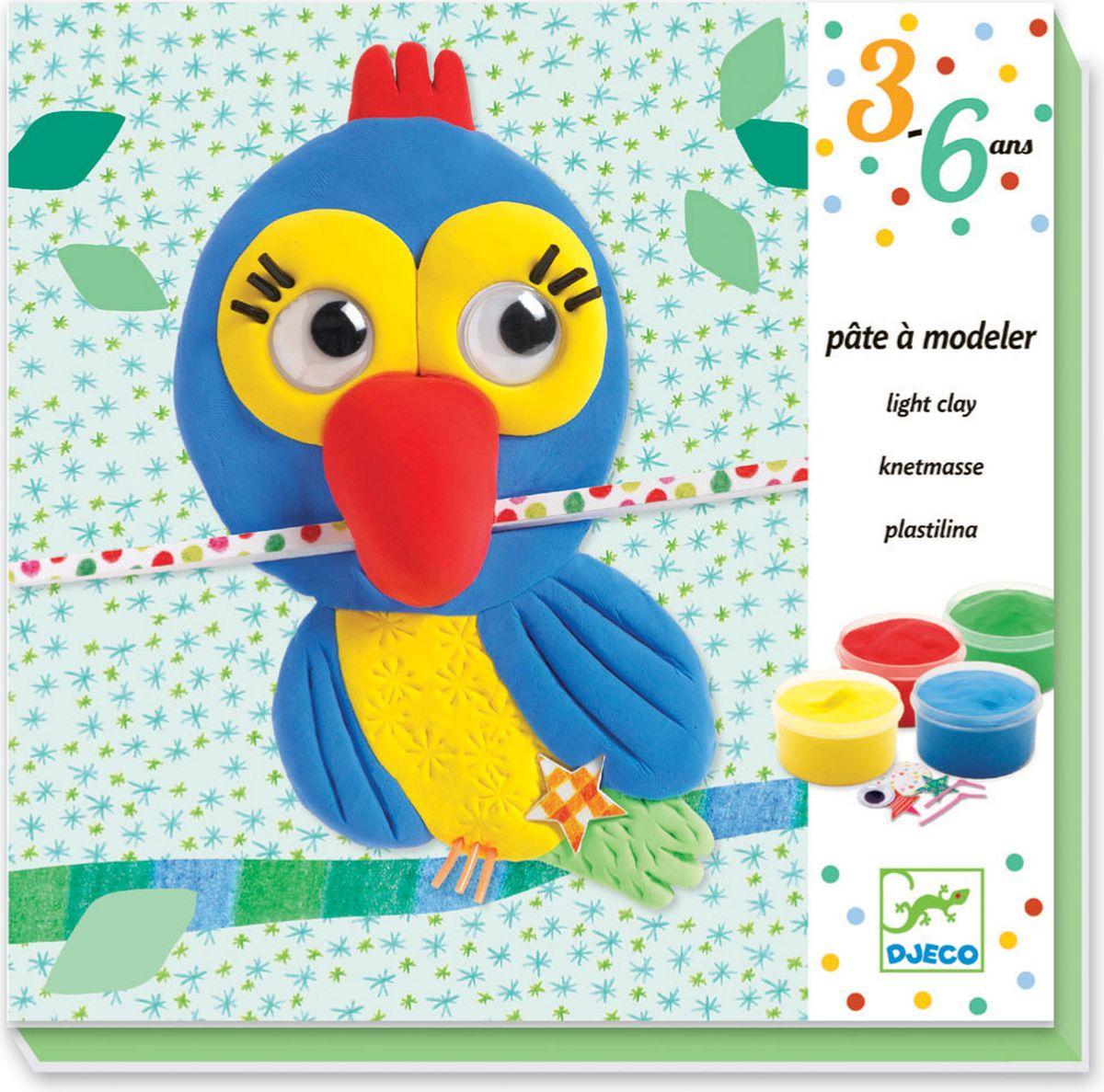 Набор пластилина Djeco Друзья станет прекрасным подарком для творческих детей. С этим набором ребенок научится создавать забавные картинки из пластилина, дополнять их различными яркими деталями – глазками, ножками, усиками, звездочками.В наборе пять картинок-основ, с помощью который ребенок создаст картинки с изображением забавных друзей: попугая, цыпленка, рыбки, бабочки и улитки. В конце можно будет дополнить картинки готовыми яркими элементами и подвижными глазками.Подробная инструкция с иллюстрациями поможет все сделать правильно. Картины получаются красочными, ими можно украсить комнату или подарить маме. Игры с пластилином способствуют развитию мелкой моторики, творческого мышления, усидчивости.