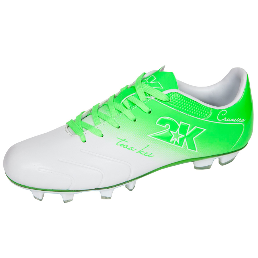 Бутсы футбольные 2K Sport Cruzeiro, цвет: белый, зеленый. Размер 39RUC-01Яркие футбольные бутсы 2K Sport Cruzeiro, выполненные из микрофибры в современном стиле, подойдут для натуральных и искусственных покрытий. Облегченная, износостойкая подошва, конфигурация которой приближена к форме стопы, способствует комфорту и хорошей чувствительности при игре. Бесшовная конструкция верха. Бутсы оснащены пластиковой усилительной вставкой (супинатором). Эргономичная стелька. 2 пары шнурков разного цвета в комплекте.