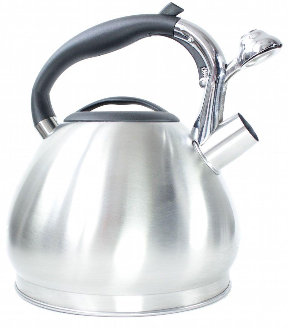 Чайник Hoffmann, со свистком, 3,5 л. НМ 5511391602Чайник Hoffmann выполнен из высококачественной нержавеющей стали, что делает его весьма гигиеничным и устойчивым к износу при длительном использовании. Носик чайника оснащен насадкой-свистком, что позволит вам контролировать процесс подогрева или кипячения воды. Фиксированная ручка, изготовленная из пластика, оснащена механизмом открывания носика. Эстетичный и функциональный чайник будет оригинально смотреться в любом интерьере.