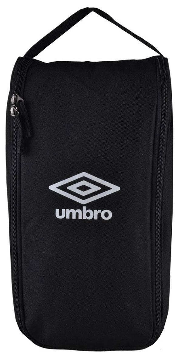 Сумка спортивная Umbro Team Boot Bag, для обуви, цвет: черный, белый. Размер S. 751415751415Спортивная сумка для обуви Umbro Team Boot Bag выполнена из плотного полиэстера с контрастным логотипом бренда спереди. Сумка без подкладки, молния с двумя слайдерами-собачками.Размер: 38 х 19 см.