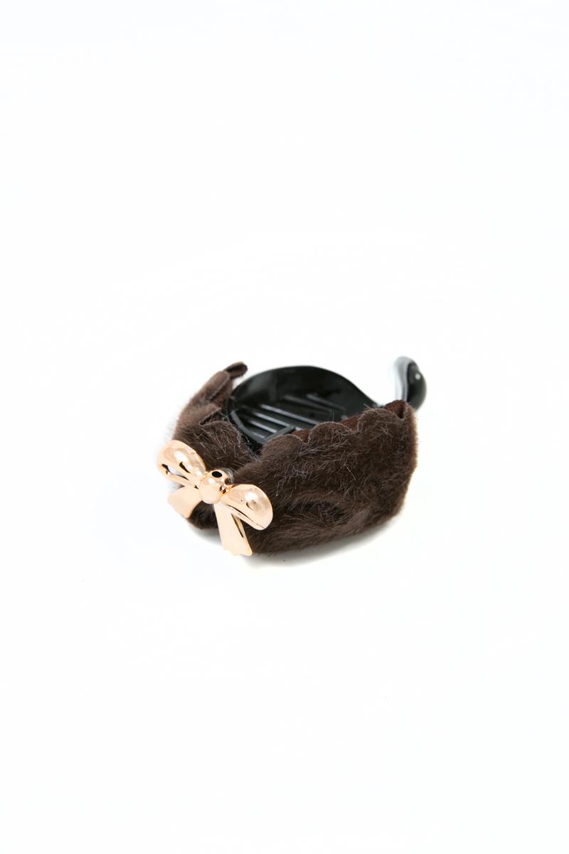 Зажим для волос Mitya Veselkov, цвет: черный, коричневый. 1054-BROWN-DAMMP59.4DСтильный зажим для волос Mitya Veselkov изготовлен из пластика, декорирован металлическим элементом в виде бантика.