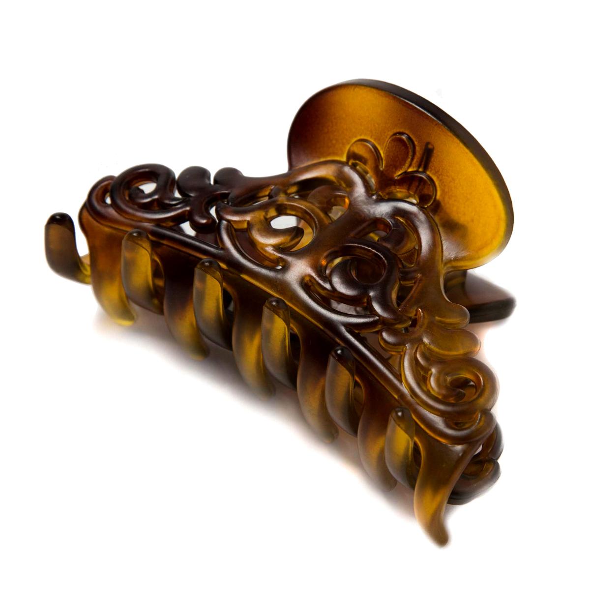 Заколка-краб Mitya Veselkov, цвет: коричневый. KRAB3-M2BROСерьги с подвескамиЗаколка-краб выполнена из пластика черного цвета. Удобный зажимной механизм надежно держит волосы и при этом служит отличным украшением.