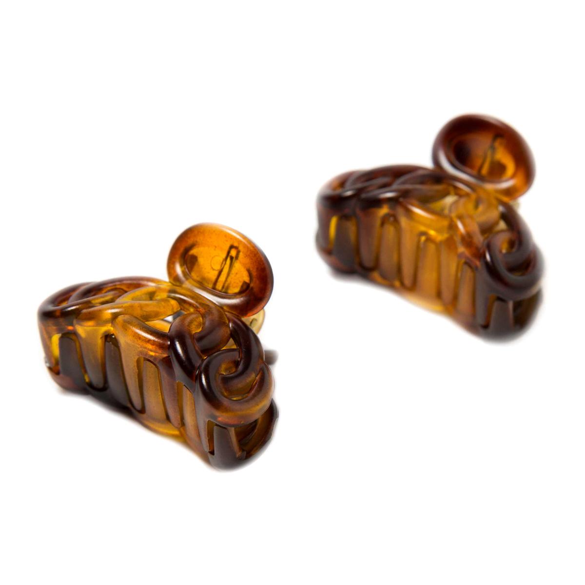 Заколка-краб Mitya Veselkov, цвет: коричневый, 2 шт. KRAB4-M2BROKRAB4-M2BROЗаколка-краб выполнена из пластика черного цвета. Удобный зажимной механизм надежно держит волосы и при этом служит отличным украшением. в упаковке 2 штуки.