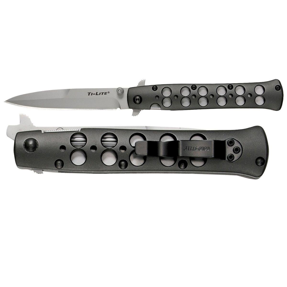 Нож складной Cold Steel Ti-Lite 4, общая длина 22 см. CS-26ACST1154194Складной нож Cold Steel Ti-Lite 4, выполненный в оригинальном стиле, станет отличным подарком для рыбака, охотника или человека, который ценит отдых на природе. Модельотличается характерным плоским и заостренным лезвием. В сложенном виде нож легко помещается в рукаве или потайном кармане, чулке. Закрепление клинка при сложении происходит с помощью засечки на его поверхности. Рукоятка изготовлена из алюминия, высокопрочного, ударостойкого и комфортного в применении и дополнена небольшой клипсой, которая плотно крепится к одежде. Лезвие ножа изготовлено из высококачественной нержавеющей стали.Размер ножа в открытом виде: 22 см.Толщина обуха: 3 мм.Длина ножа (в сложенном виде): 11,8 см.