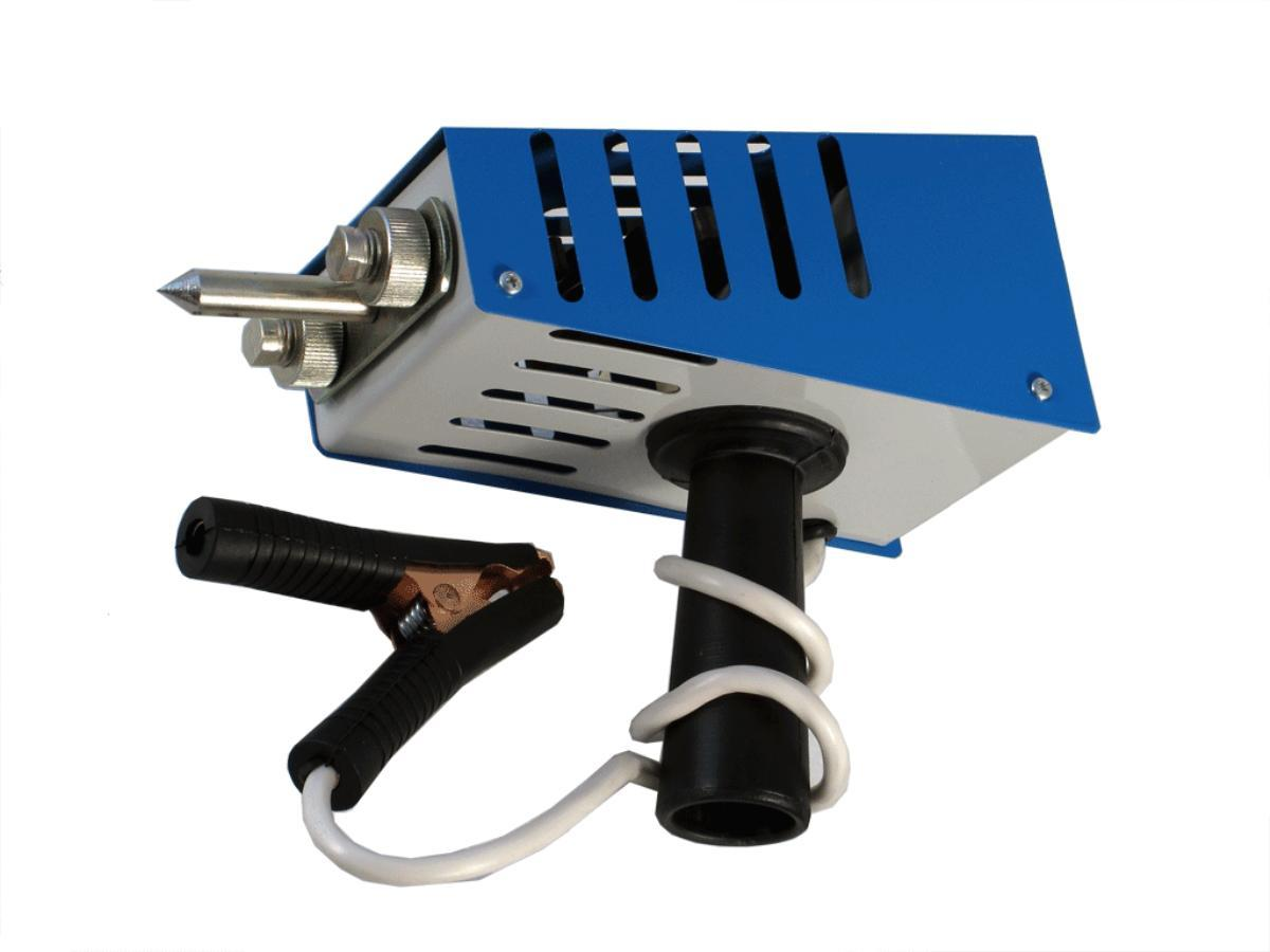 Нагрузочная вилка для проверки Орион АКБ НВ-03, электронная, 100/200А, 12ВSV-012366НАЗНАЧЕНИЕНагрузочная вилка предназначена для определения степени заряженности и исправности автомобильной аккумуляторной батареи с номинальным напряжением 12 вольт; а также проверки исправности генератора бортовой сети с помощью высокоточного вольтметра. ТЕХНИЧЕСКИЕ ХАРАКТЕРИСТИКИ-Номинальное напряжение АБ: 12 В -Емкость тестируемых АБ: 15-240 А-ч -Диапазон вольтметра: 0-15 В -Точность: 0,5% -Номинальное сопротивление: две спирали по 0,1 Ом -Рабочий диапазон температур: –30°С – +60°С -Время измерения: спирали подключены: не более 5 сек. спирали отключены: не ограниченоОСОБЕННОСТИНагрузочная вилка НВ-03 имеет две спирали и подходит для проверки аккумуляторов как малой и средней емкости (подключается одна спираль, ток нагрузки 100 А), так и повышенной емкости (подключается две спирали, ток нагрузки 200 А) Легкая коммутация спиралей упрощает использование прибора Большой вольтметр облегчает считывание показаний Цифровой вольтметр (жидкокристаллический дисплей) Определение степени заряда аккумулятора Коррозиестойкое покрытие корпуса прибора