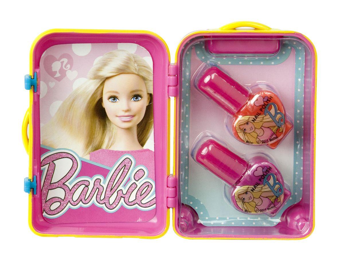 Markwins Игровой набор детской декоративной косметики Barbie 9600351SC-FM20104С набором Markwins Barbie девочка сможет создать себе яркий, неповторимый образ, дополнив его красивым маникюром! Лаки на водной основе легко наносятся и смываются, цвета очень яркие и насыщенные. Упаковка выполнена в виде гламурного чемоданчика.Детская косметика Markwins создана с соблюдением самых высоких европейских стандартов безопасности. Продукция не содержит парабенов, метилизотиазолинона, пальмового масла. Предназначена для детей от 7 лет. Несмотря на высокое качество продукции и ее общую гипоалергенность, производитель рекомендует проверить индивидуальную реакцию на косметику перед ее использованием. Просто нанесите на кожу немного косметики и подержите 30-60 минут. Если на коже появится покраснение, следует прекратить использование продукции. Эта аллергическая реакция проявляется очень редко и зависит от индивидуальных особенностей организма.Условия хранения: хранить при температуре от +5 до +25 градусов; не допускать попадания прямых солнечных лучей.