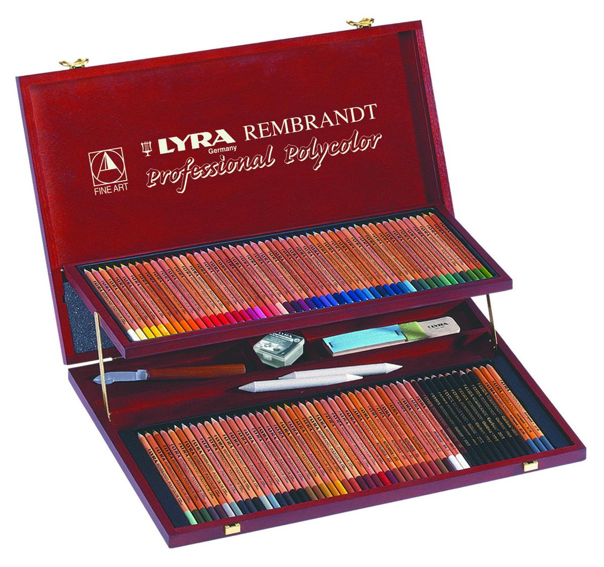 Lyra Художественные цветные карандаши Rembrandt Polycolor 105 цветов72523WDНабор профессиональных цветных карандашей LYRA REMBRANDT POLYCOLOR с аксессуарами в деревянном кейсе. В комплекте 105 предметов. 100 цветных карандашей, нож для заточки, ластик, наждачная бумага
