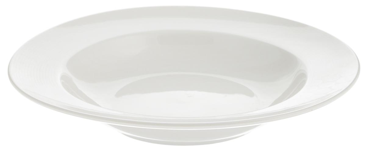 Тарелка глубокая Tescoma Opus Stripes, диаметр 23 смAVRARN11027Глубокая тарелка Tescoma Opus Stripes, выполненная из высококачественного фарфора, имеет классическую круглую форму и предназначена для красивой сервировки обеденного стола. Она прекрасно впишется в интерьер вашей кухни и станет достойным дополнением к кухонному инвентарю. Тарелка Tescoma Opus Stripes подчеркнет прекрасный вкус хозяйки и станет отличным подарком для вас и ваших близких.Можно мыть в посудомоечной машине и использовать в микроволновой печи. Диаметр тарелки (по верхнему краю): 23 см.Высота тарелки: 4 см.