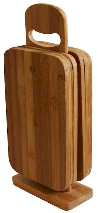 Набор разделочных досок Axentia, 22 х 14 см, 6 штSTO 6522Набор Axentia, выполненный из 100% натурального бамбука, состоит из 6 разделочных досок на подставке. Прочные, долговечные доски не боятся воды и не впитывают запахи. Легко моются, бережно относятся к лезвию ножа. Для удобства подставка оснащена ручкой. Такие доски понравятся любой хозяйке и будут отличными помощниками на кухне. Не рекомендуется мыть в посудомоечной машине.Размер доски: 22 см х 14 см х 0,8 см.