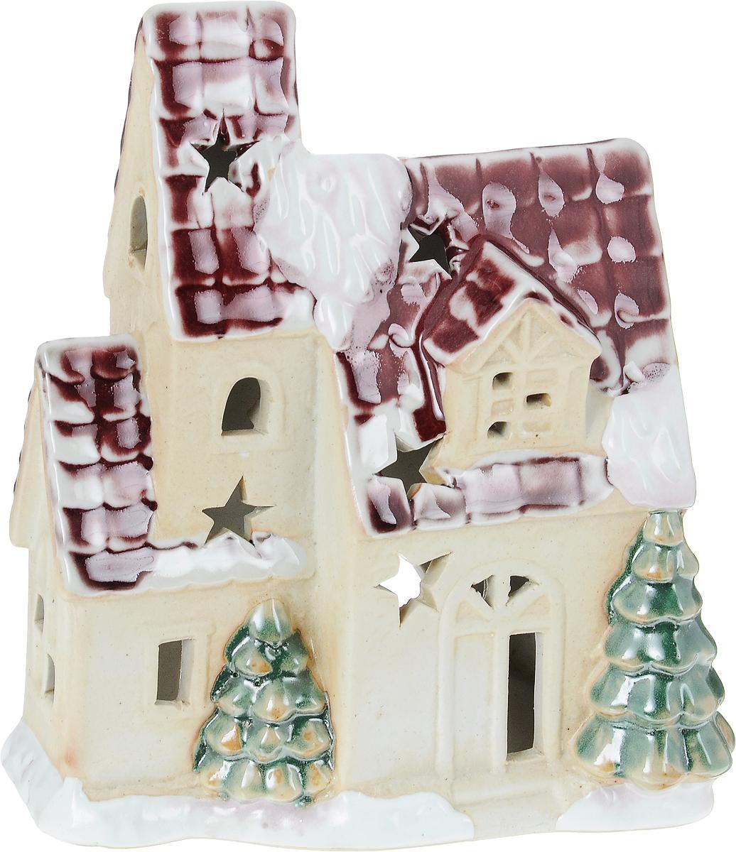 Подсвечник новогодний Winter Wings Домик с красной крышей, 13,5 х 8,5 х 17,5 смKG0103Подсвечник Winter Wings Домик с красной крышей, изготовленный из керамики, станет прекрасным украшением интерьера помещения в преддверии Нового года. Подсвечник выполнен в виде домика. Имеется отверстие для чайной свечи (свеча входит в комплект). Зажигать свечи в Новый год - неизменная традиция, которая позволяет наполнить дом волшебством и таинственностью новогодней ночи.