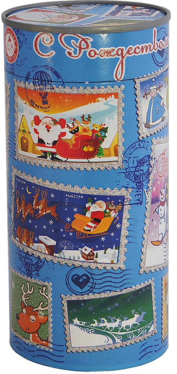 Избранное из моря чая Новый Год Новогодние марки (туба) чай черный листовой, 85 гр.9312631122619ТМ «ИЗБРАННОЕ ИЗ МОРЯ ЧАЯ», коллекция «Подарочный чай к Новому году». Картонная баночка в форме тубы с перфорацией для контроля вскрытия, с глиттерным лаком. Производитель: Ceylon Tea Land, Шри-Ланка, Состав: 100% цейлонский черный чай. Стандарт ОРА (крупный лист). Листья для этого чая собирают с кустов после того, как почки полностью раскрываются. В сухой заварке листья должны быть крупными (от 8 до 15 мм) и однородными. Этот сорт практически не содержит типсов, но имеет высокое содержание ароматических масел, и поэтому настой чая очень ароматен. Также этот чай характерен вкусом с горчинкой благодаря большому содержанию дубильных веществ. Этот чай упакован в пачки из фольги в Шри-Ланке сразу после сбора урожая, в период созревания чая, когда он наполнен полезными веществами и эфирными маслами. Знак в виде Льва с 17 пятнышками на шкуре - это гарантия Бюро Цейлонского Чая на соответствие чая высокому стандарту качества, установленному Правительством и упакованному только в пределах Шри-Ланки.