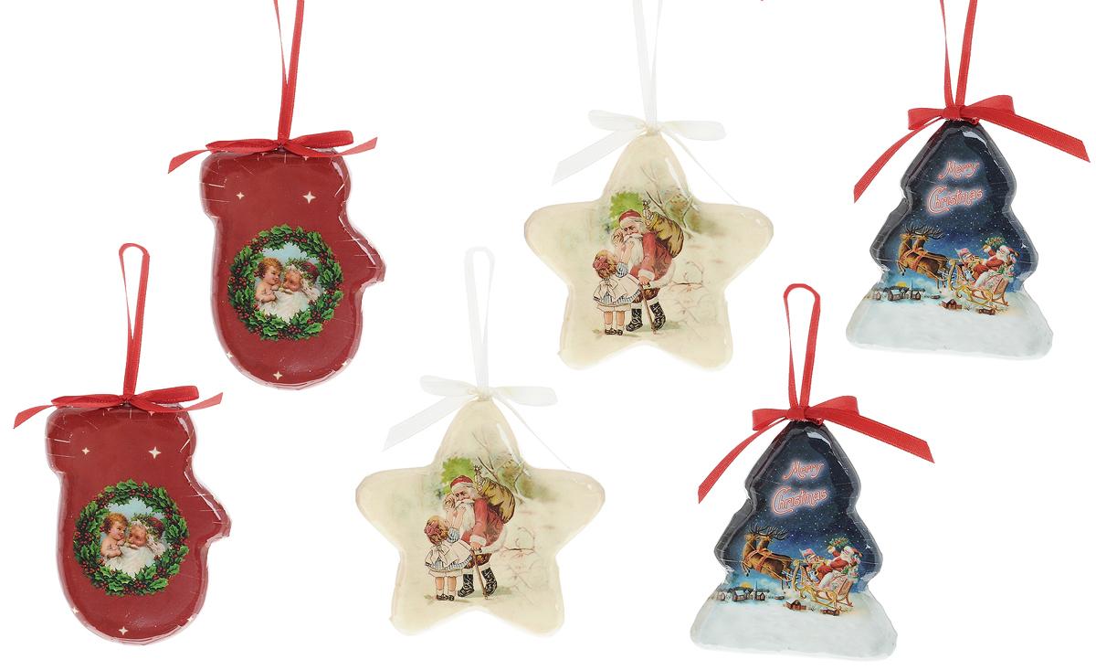 Набор новогодних подвесных украшений Winter Wings Подвески, 6 штDP-C04-39512Набор Winter Wings Подвески состоит из 6 подвесных украшений, выполненных из пластика. Оригинальные новогодние украшения прекрасно подойдут для праздничного декора дома и новогодней ели. С помощью специальной текстильной петельки в виде бантика их можно повесить в любом понравившемся вам месте. Но, конечно, удачнее всего такие игрушки будут смотреться на праздничной елке. Елочная игрушка - символ Нового года и Рождества. Она несет в себе волшебство и красоту праздника. Создайте в своем доме атмосферу веселья и радости, украшая новогоднюю елку нарядными игрушками, которые будут из года в год накапливать теплоту воспоминаний. Размер украшений: 6,5 х 1,5 х 9 см; 9,5 х 1,5 х 9,5 см; 7,5 х 1,5 х 9 см.