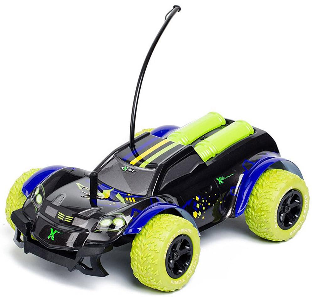 """Машинка на радиоуправлении Silverlit """"XBull"""" - это футуристичный внедорожник масштабом 1:18 с широкими колесами. Большие колёса с рельефным протектором и привод 4х4 дают машинке отличную проходимость. У этой игрушки не очень высокая скорость - 9 км/ч, поэтому она вполне подойдёт ребёнку. Пульт управления """"XBull"""" пистолетного типа: чтобы машинка двигалась вперёд, нужно нажимать указательным пальцем на курок. Направление движения задаётся вращением колёсика на пульте. С машинкой """"XBull"""" можно играть дома и на улице. Радиус действия радиоуправляемого автомобиля - 20 метров. Для работы машины необходимы 4 батарейки типа АА напряжением 1,5V (не входят в комплект). Для работы пульта управления необходимы 2 батарейки типа АА напряжением 1,5V (не входят в комплект)."""