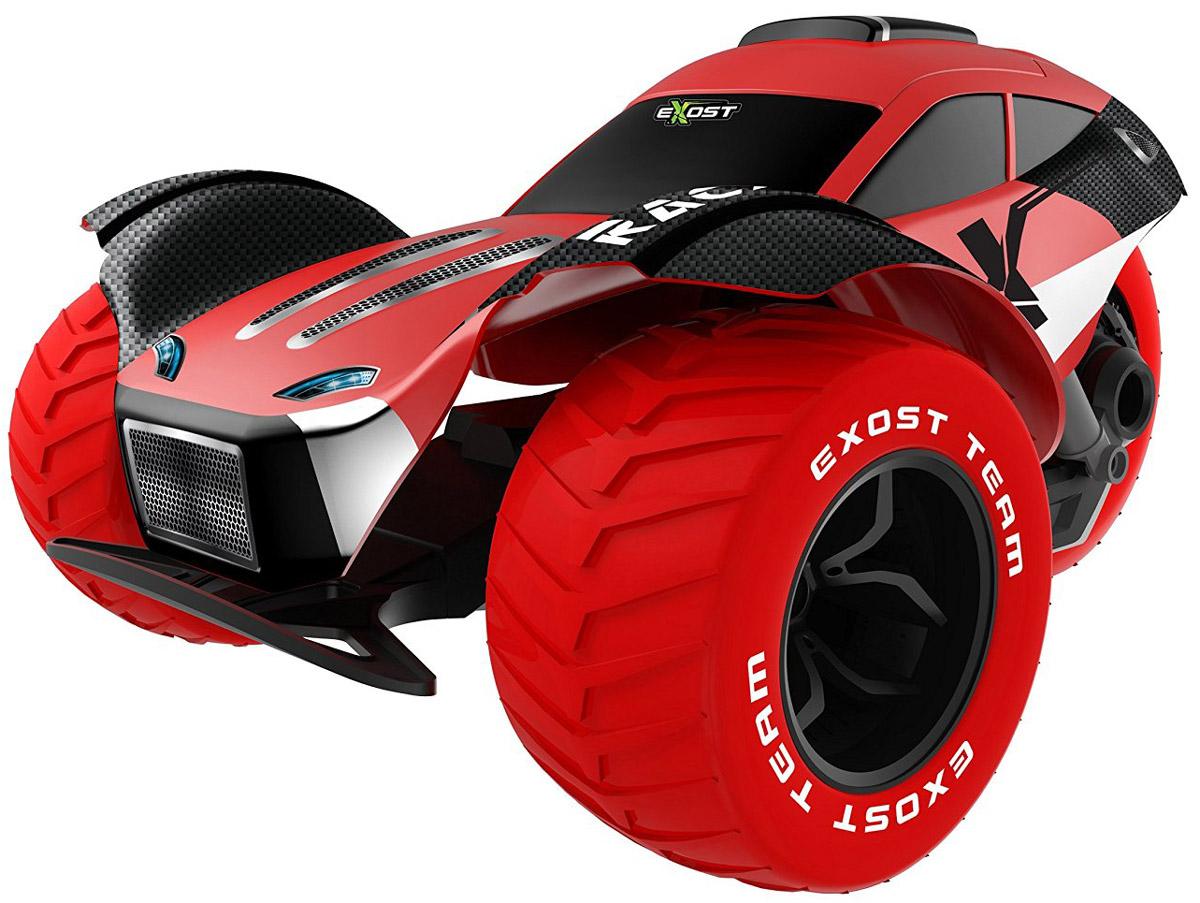 """Машинка на радиоуправлении Silverlit """"Stunt Force"""" - это большой (масштаб 1:8), ультрабыстрый автомобиль, готовый совершать сумасшедшие трюки. В комплекте с игрушкой поставляется всё необходимое, чтобы можно было сразу же приступить к виражам. Три колеса болида имеют большой диаметр и четкие протекторы. Это даёт игрушке хорошее сцепление с дорогой на асфальтированной или другой твёрдой поверхности, позволяет моментально разгоняться. Большой вес добавляет модели устойчивости. По масштабу и техническим характеристикам машина """"Stunt Force"""" близка к радиоуправляемым автомобилям хобби-класса, которые используют автомоделисты на соревнованиях. В силу внушительных габаритов и веса машины рекомендуется запускать модель на больших площадках, где нет прохожих. Машина работает от сменного аккумулятора (в комплекте). Для работы пульта управления необходимы 2 батарейки типа АА напряжением 1,5V (товар комплектуется демонстрационными)."""