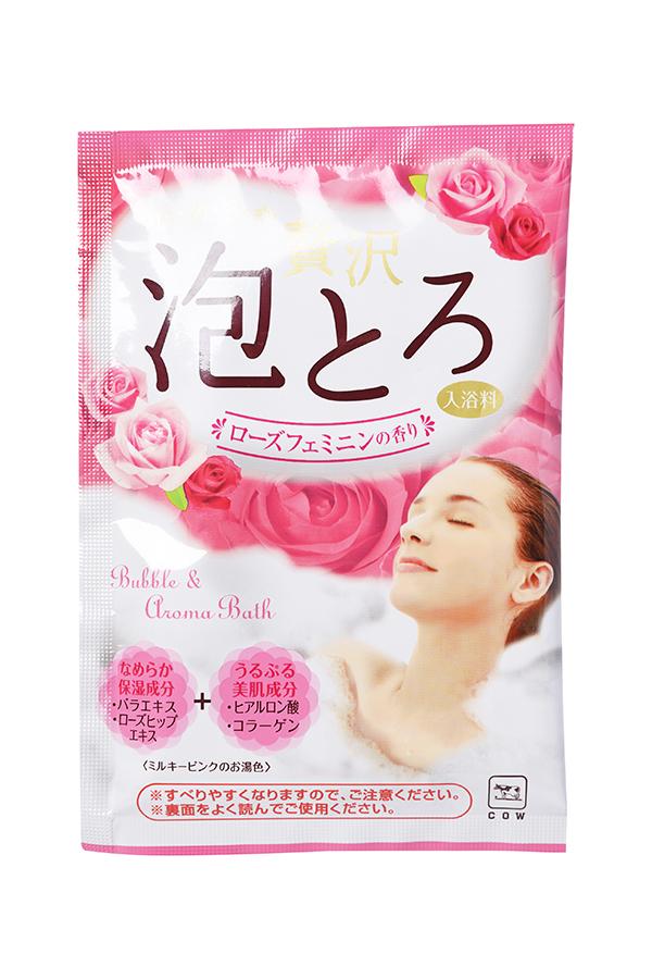 Gyunyu Sekken 00283gs Пудровая соль для принятия ванны с ароматом розы 30 г00283gsПудровая соль с ароматом розы предназначена для ежедневного ухода за телом.Увлажняющие и питательные компоненты, растворенные в воде, ухаживают закожей, делая ее гладкой, нежной и упругой. Экстракт розы и экстракт шиповникаувлажняют и питают. Гиалуроновая кислота и коллаген выравнивают цвет кожи ипозволяют ей оставаться гладкой и упругой надолго. Средство придает водемолочно-розовый цвет и приятный цветочный аромат.